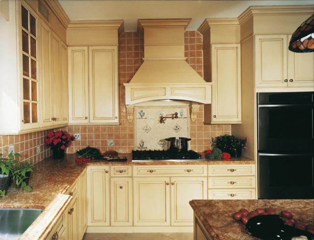 Holiday Kitchens - Kitchens By Diane